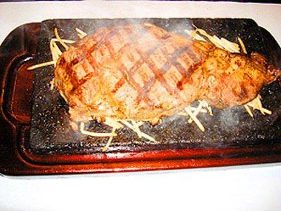 富士山熔岩石烧 烤出新味觉(图)