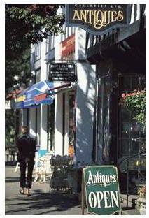 维多利亚街边的特色商铺