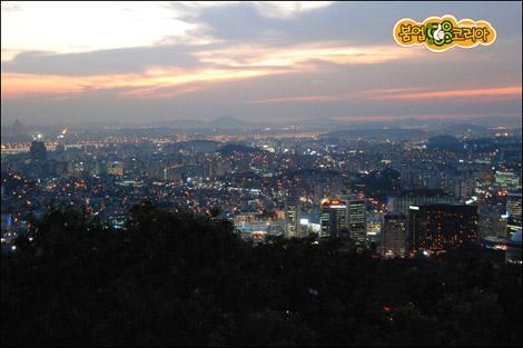 从南山俯视首尔夜景