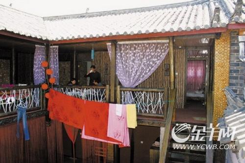 丽江古城里的0888温馨客栈,拥有清雅别致的纳西院子