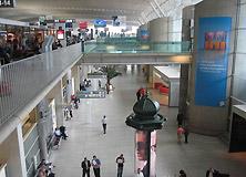 法国戴高乐机场留着欧元买葡萄酒
