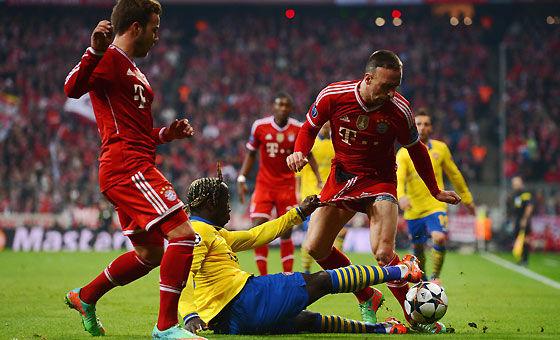 阿森纳客场1比1拜仁遭淘汰 里贝里遭咸猪手