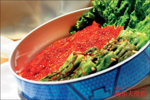 打球之余,还可以在海兰江享受到最纯正的韩国泡菜
