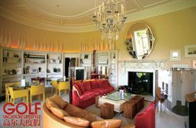 度假村大堂一楼特别设置8间休息室,分别点缀不同主题的装潢,让客人于此看书、聊天