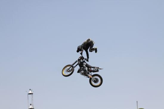 车评网 极限摩托表演