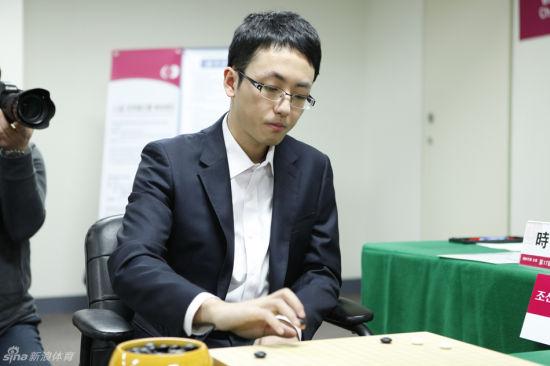 90后时越成中国围棋第十位世界冠军图片