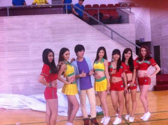 女装啦啦队京城德比献常驻有望首演八喜主场美女欧美a女装天后宫图片