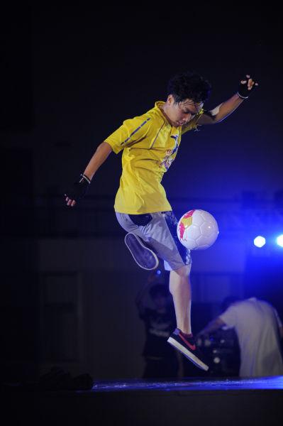 花式足球世界杯广州选拔赛落幕 特邀张琳芃打分图片