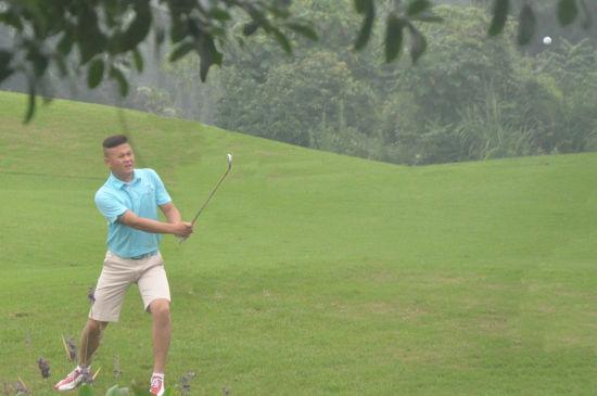 重庆高尔夫球队际联赛 鼎致球队力战天空球队告捷