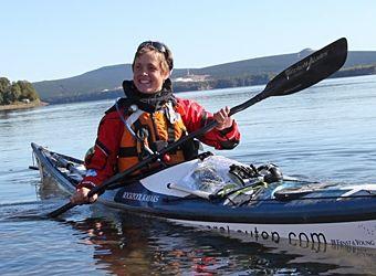英国牛津女高材生皮划艇探险环游世界