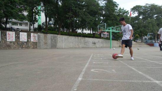足球进行时