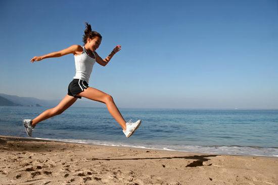 跑步减肥法_跑步减肥3要点:脚跟落地是关键