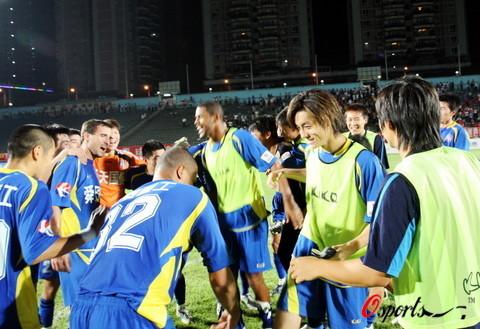 江苏2-1重庆提前7轮冲超14年后重返中国顶级联赛