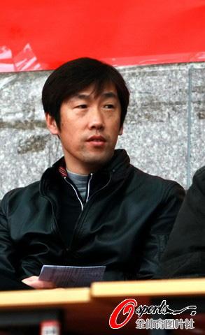 图文-[中甲]北理工1-2上海东亚国家队教练高洪坡