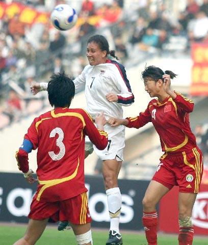 图文-中国女足0-1美国获亚军 张艳茹十指关被破瞬间