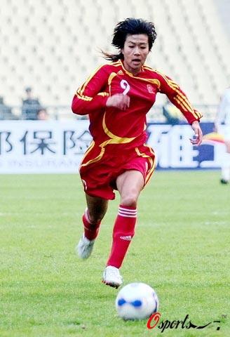图文-[四国赛]中国女足0-1美国获亚军 韩端的尴尬