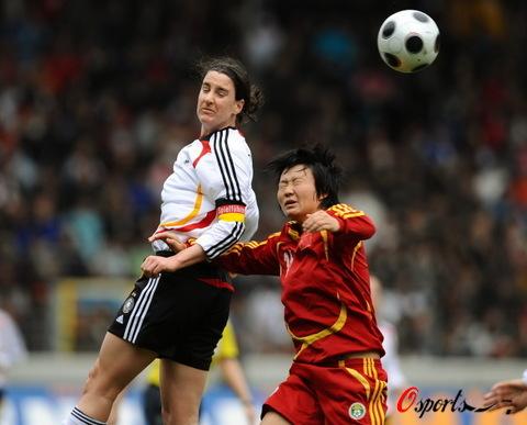图文-[友谊赛]德国女足VS中国女足德国空霸发飙