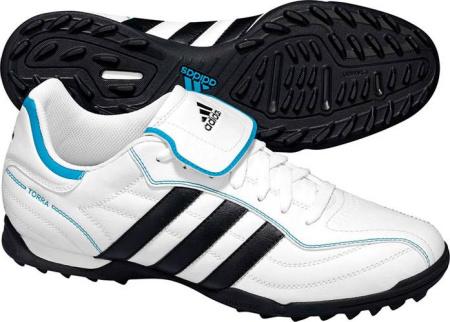 阿迪达斯 足球鞋 G17118