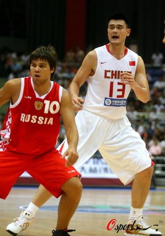 图文-[斯杯]中国男篮VS俄罗斯准备好了放马过来