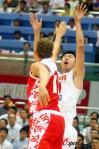 图文-[斯杯]中国男篮VS俄罗斯王治郅标志性出手