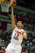 图文-[钻石杯]中国男篮VS安哥拉 姚明赛前热身