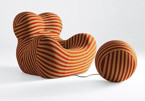 夸张的球体形状模仿女性身体曲线的沙发(组图)