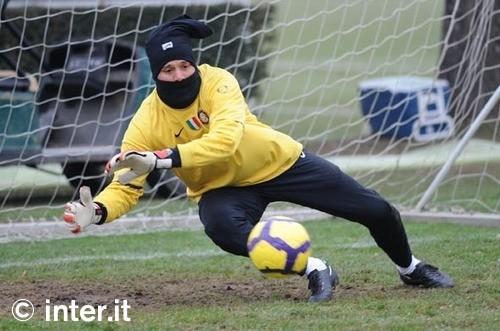 组图:周一的守门员训练_国际米兰足球俱乐部中