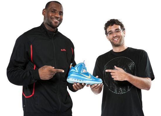 极致燃烧 詹姆斯最新战靴LeBron9代全面发布-