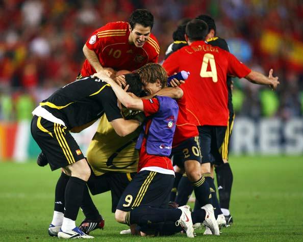 西班牙最完美方式登顶欧洲现在谁还敢说他们软蛋