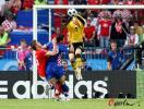 图文-[欧洲杯]奥地利VS克罗地亚守门员出击摘球