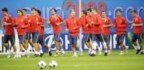 图文-[欧洲杯]捷克VS葡萄牙捷克球员赛前慢跑