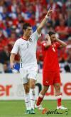 图文-[欧洲杯]捷克1-3葡萄牙C-罗庆祝自己射门得分