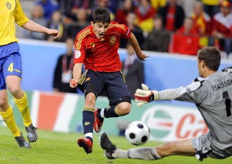 图文-[欧洲杯]瑞典1-2西班牙伊萨克森没能封住皮球