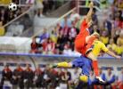 图文-[欧洲杯]俄罗斯VS瑞典汉森争抢高空球吃亏