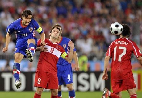 图文-[欧洲杯]克罗地亚VS土耳其通恰伊险被爆头