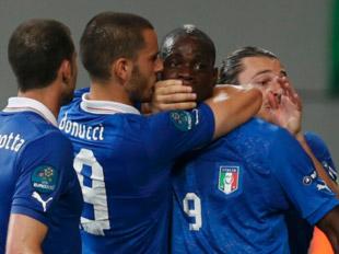 巴洛特利神奇进球 意大利惊险出线
