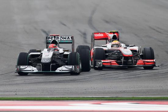 舒马赫祝贺迈凯轮及罗斯博格遗憾仍未适应如今雨胎