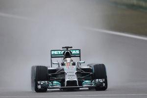 F1中国站:汉密尔顿雨中夺杆位莱科宁Q2被淘汰