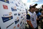 图文-F1英国站周四人物特写阿隆索出席车队发布会