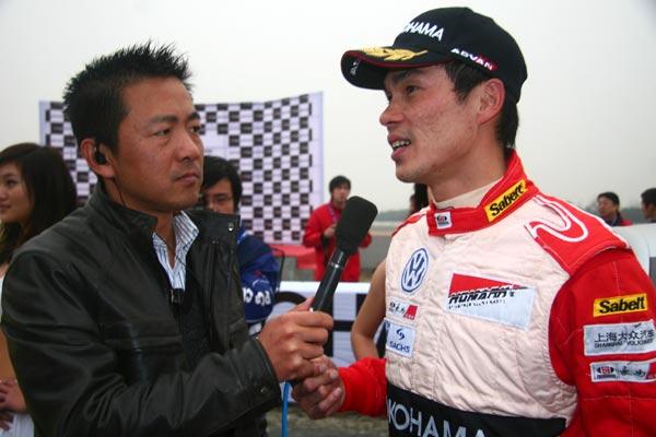 图文-POLO杯总决赛第10回合总冠军许伟端接受采访