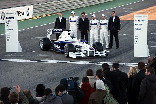 图文-宝马-索伯发布F1.09新车登场万众瞩目