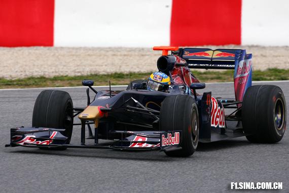 图文-F1巴塞罗那试车首日波尔戴负责STR4首日测试