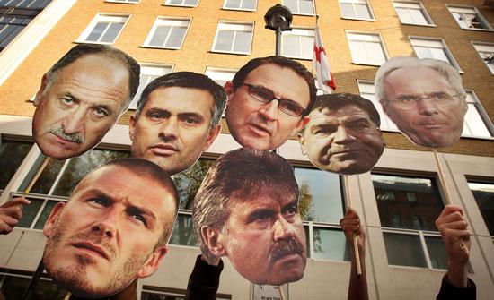 英两大热门主帅最新谜题卡佩罗入利物浦狂人去巴萨?