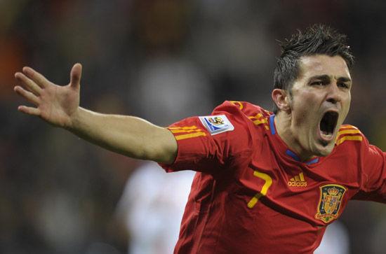 休养了近8个月的巴萨前锋比利亚终于回到西班牙国家队的阵容之中