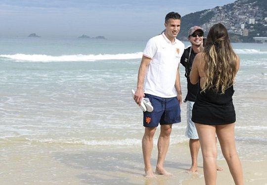 范佩西在巴西海滩