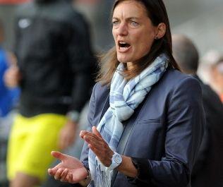 历史性一刻!欧洲男子联赛首位女主帅完成首秀(图)