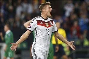 欧预赛-皇马新援破僵局德国94分钟丢球主场憾平