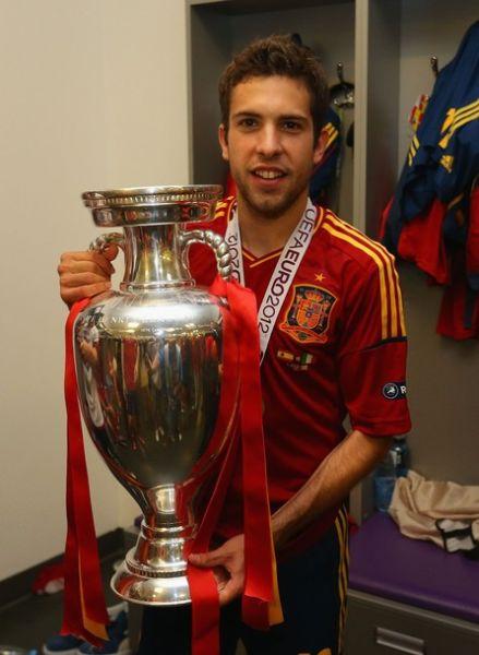 决赛当中打进重要一球的阿尔巴堪称是本届欧洲杯的最大新星