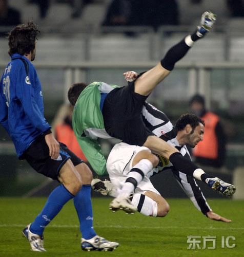 图文-[意大利杯]尤文vs恩波利莫利纳罗遭人欺