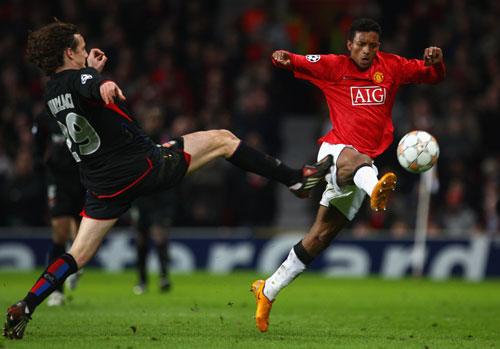 图文-[冠军杯]曼联1比0里昂纳尼是球场上的舞者